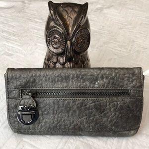 Steve Madden metallic wallet